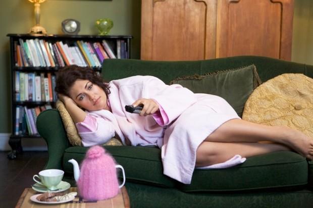 Что любят делать женщины, когда у них есть свободное время? Смотреть сериалы!