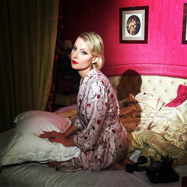 Рената Литвинова поразила всех фотографией топлес