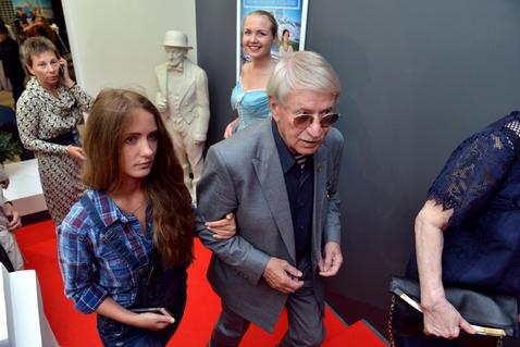 84-летний артист фильма «Марш турецкого» решил жениться намолодой ученице
