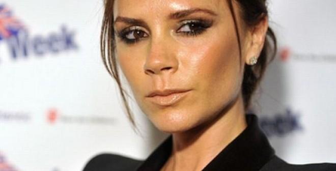 Викторию Бекхэм раскритиковали завыбор болезненно худых моделей