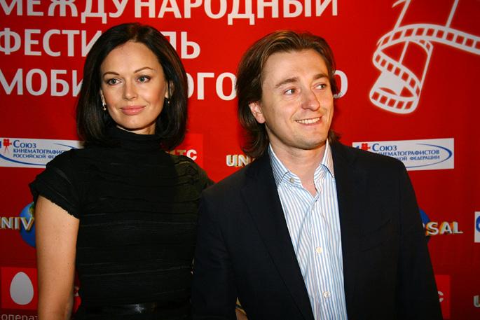 Сергей Безруков таки развелся с супругой