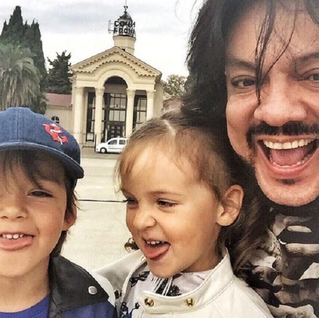 Киркоров представил сочинцам своих детей