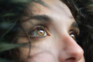 Повседневные привычки, которые наносят вред нашему зрению