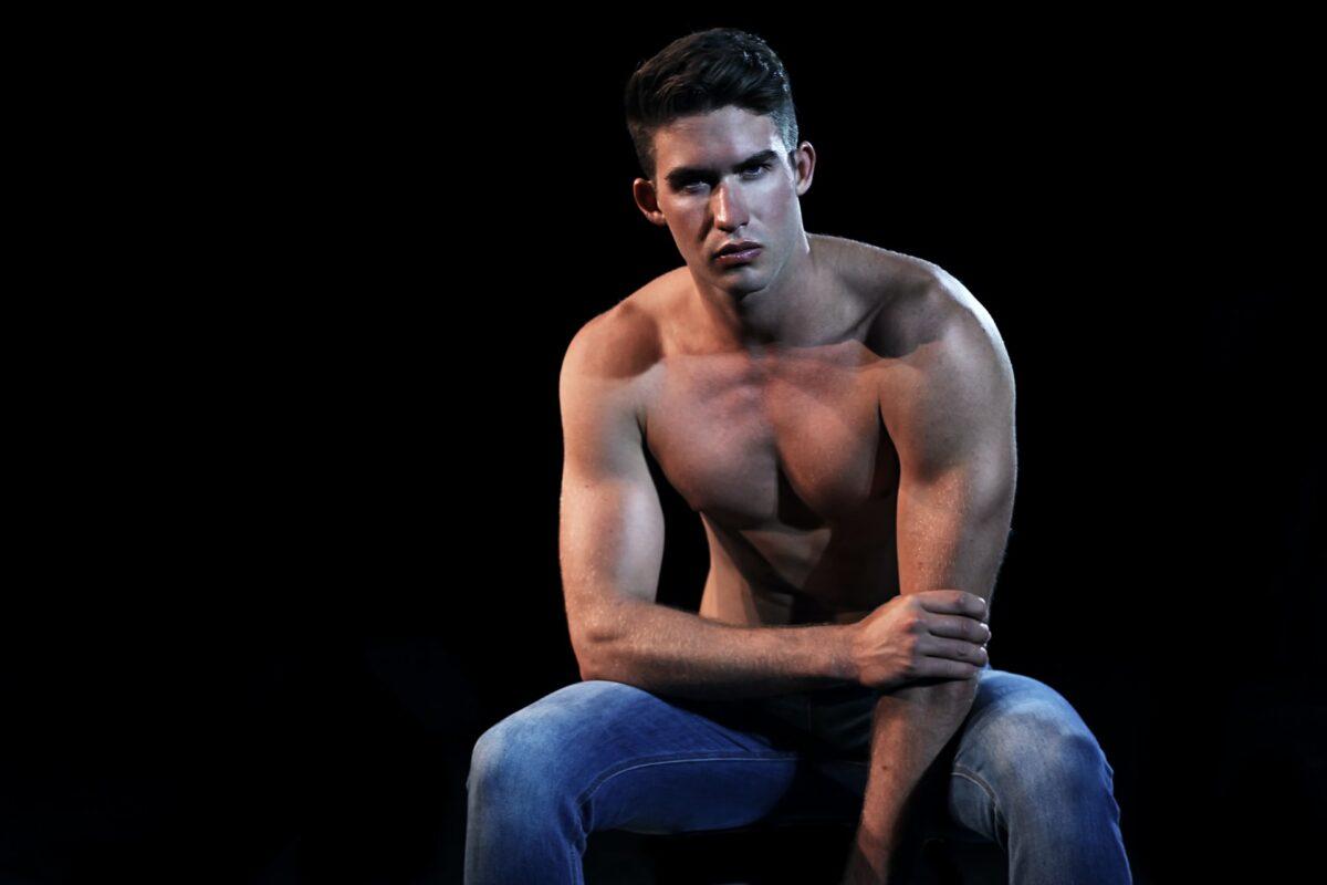 А вы когда-нибудь ходили на мужской стриптиз?